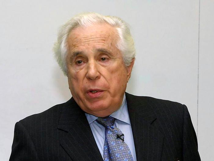 Seymour Topping, Pulitzer board administrator, speaks at the Graduate School of Journalism of Columbia University in New York, in this March 4, 2002, file photo