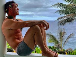 Single Again, Luke Evans Addresses Press Reports and Posts Sexy Pic